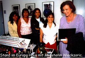 9Stand im Europa Haus mit Ministerin Wieckzoric Kopie